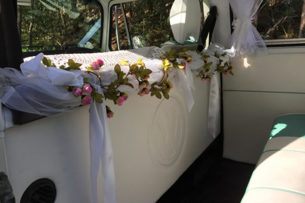 Pippa VW Kombi Microbus for wedding