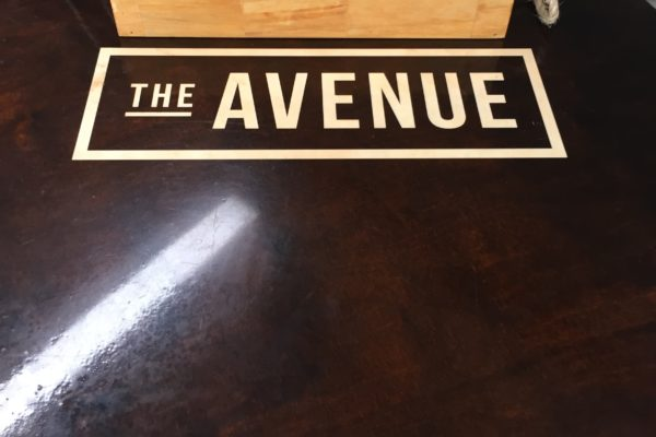 The Avenue Top